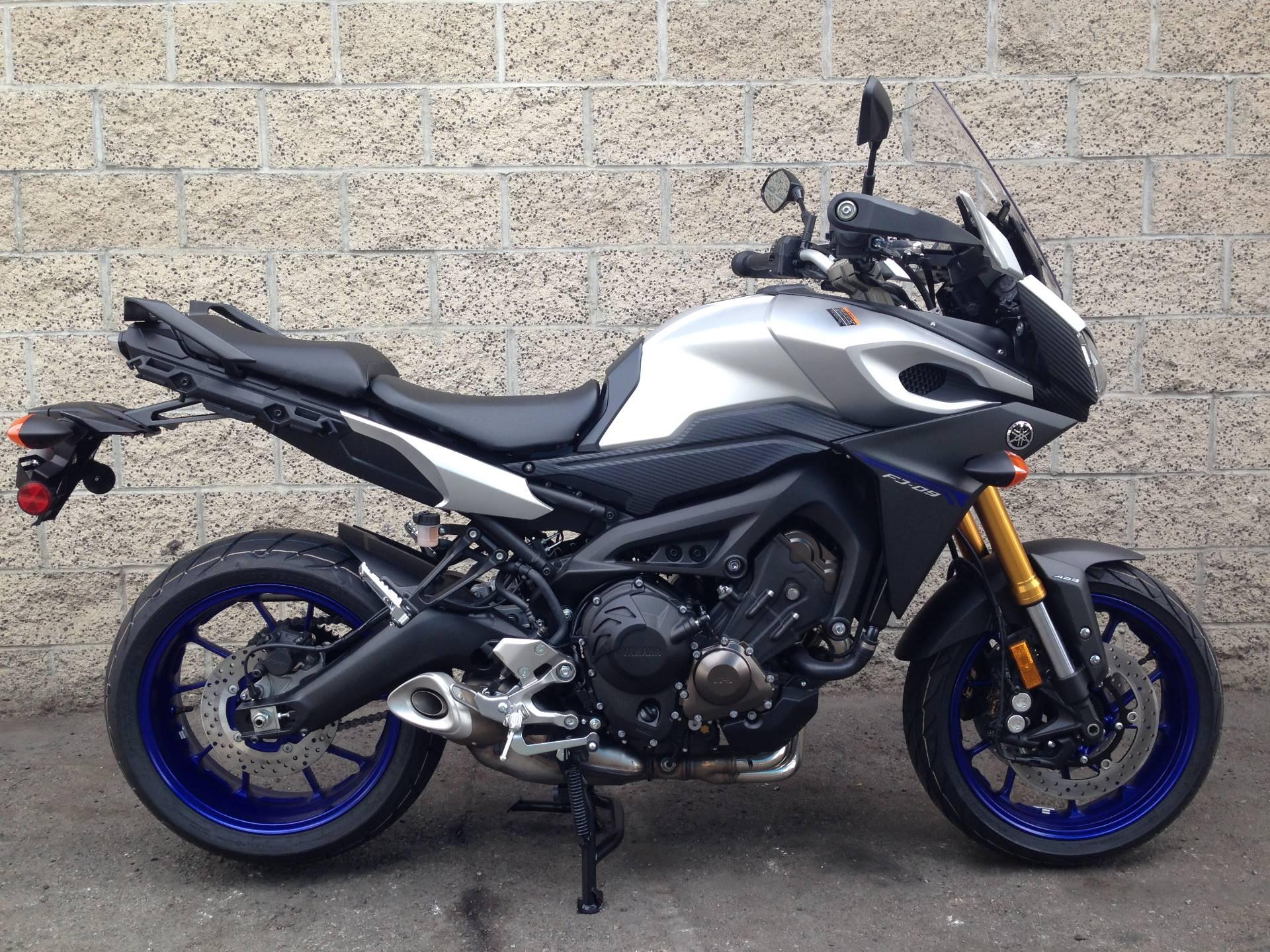 2016 Yamaha FJ-09 6