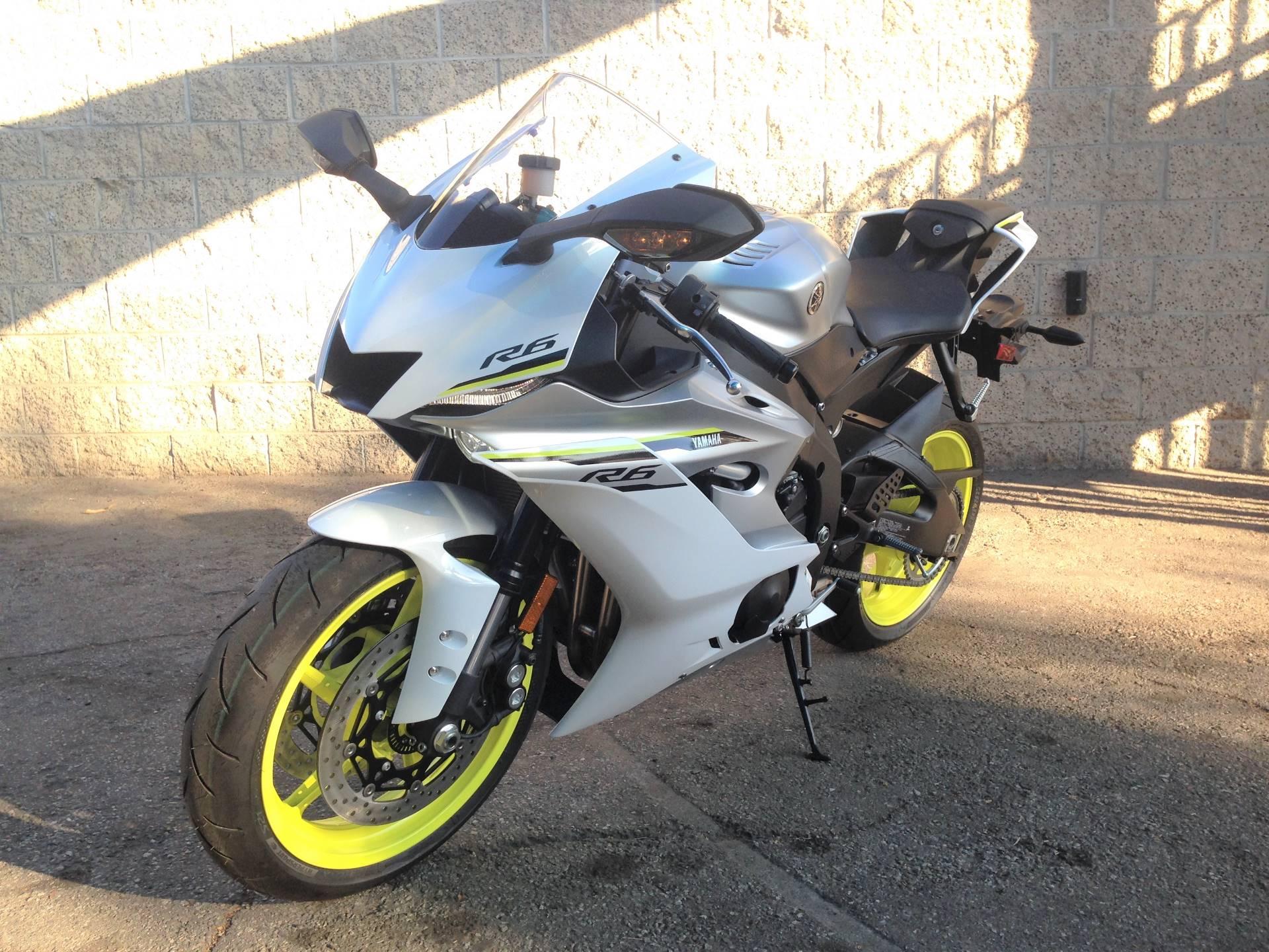 2017 Yamaha YZF-R6 8