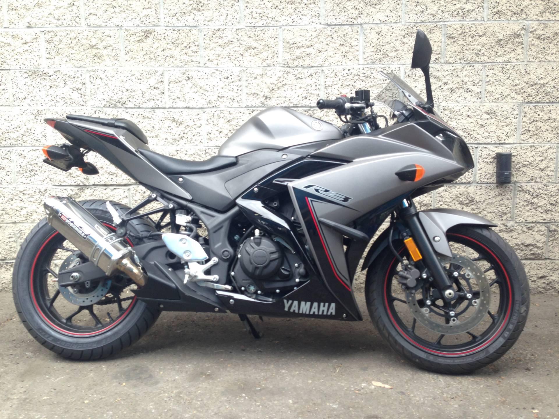 2016 Yamaha YZF-R3 8