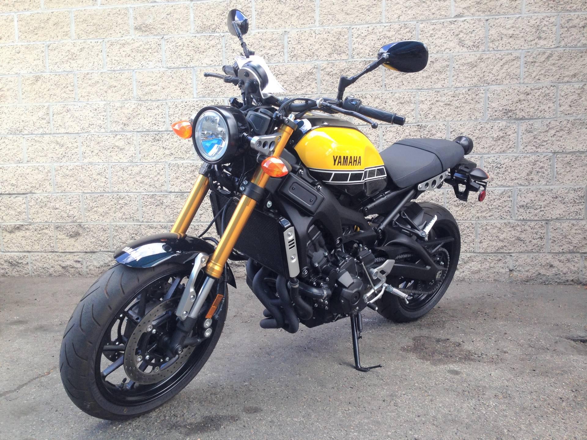 2016 Yamaha XSR900 1