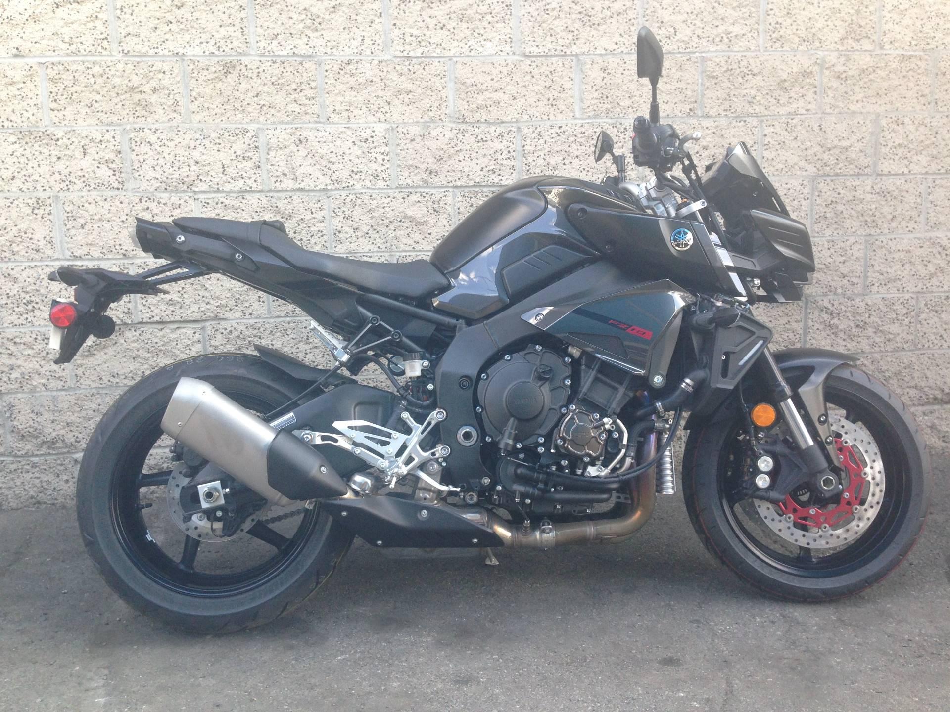 2017 Yamaha FZ-10 7