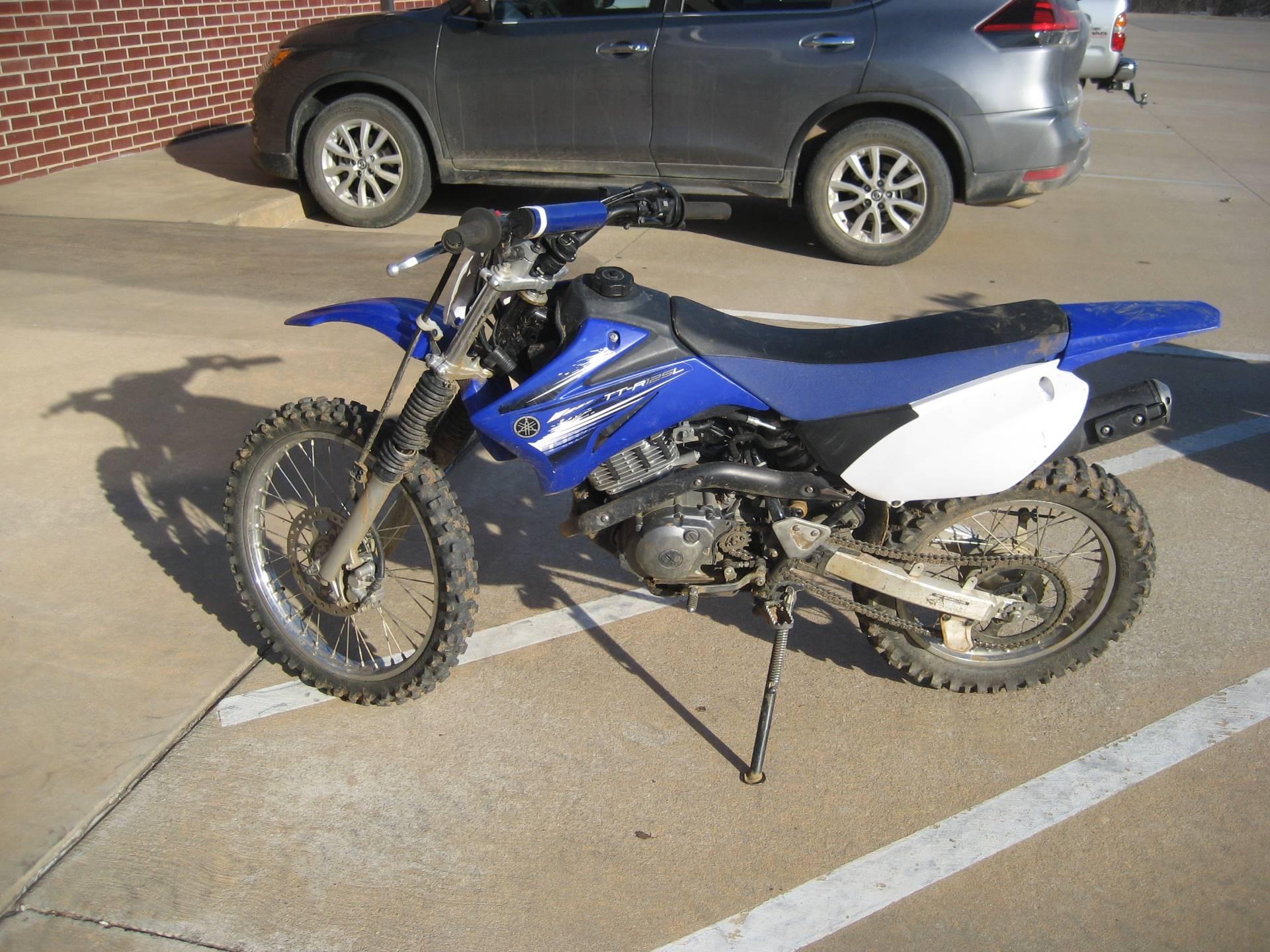 2012 Yamaha TT-R125LE 2