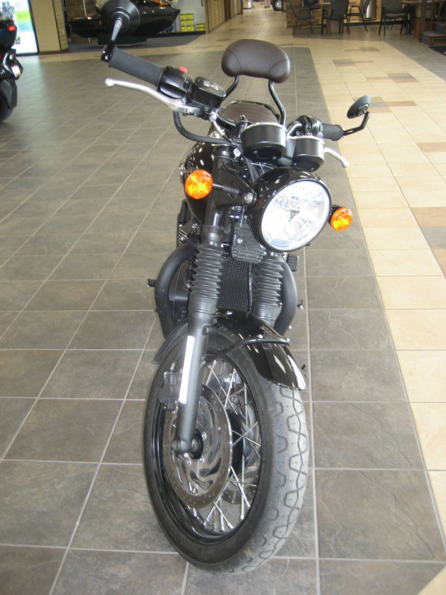2020 Triumph Bonneville T120 Black in Shawnee, Oklahoma - Photo 2