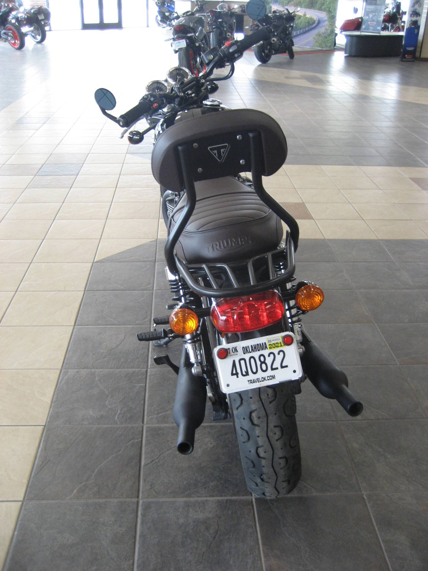 2020 Triumph Bonneville T120 Black in Shawnee, Oklahoma - Photo 3