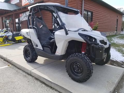 2016 Can-Am Commander 800R in Green Bay, Wisconsin