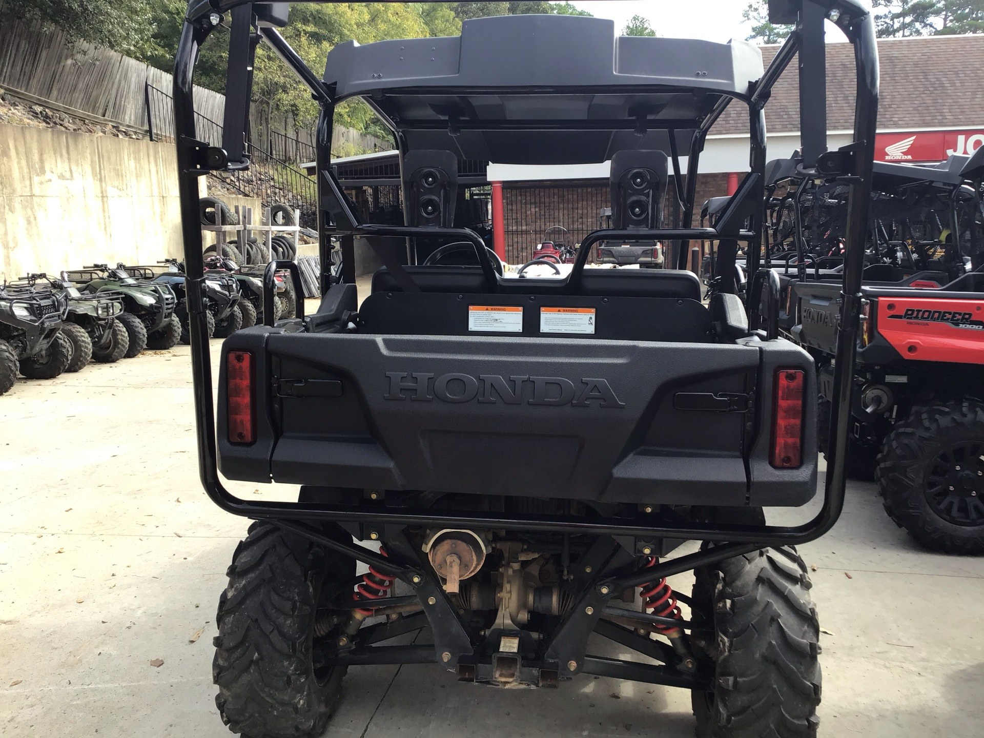 2017 Honda Pioneer 700-4 Deluxe in Hot Springs National Park, Arkansas - Photo 4