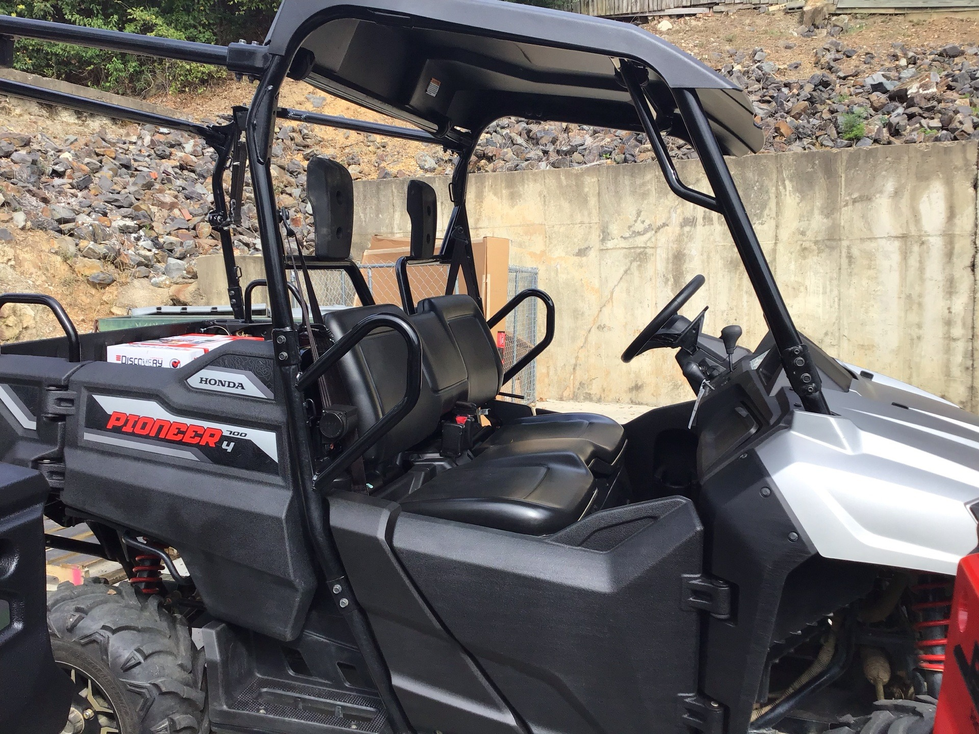 2017 Honda Pioneer 700-4 Deluxe in Hot Springs National Park, Arkansas - Photo 3