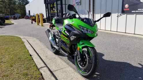 2018 Kawasaki Ninja 400 KRT Edition in Greenville, North Carolina - Photo 3