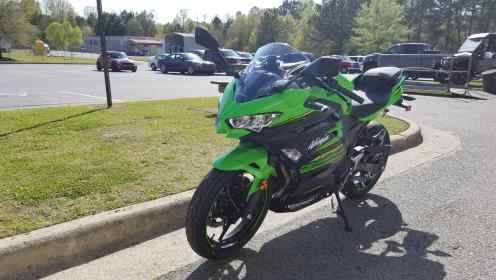 2018 Kawasaki Ninja 400 KRT Edition in Greenville, North Carolina - Photo 5
