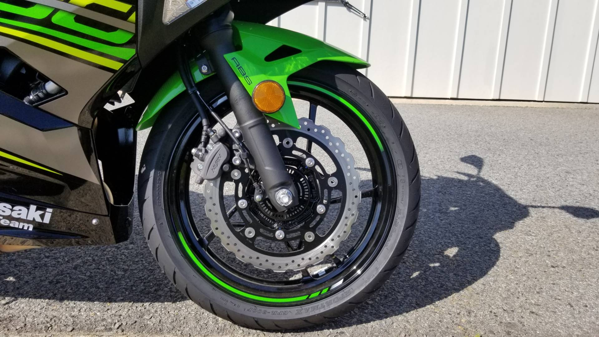 2018 Kawasaki Ninja 400 KRT Edition in Greenville, North Carolina - Photo 13