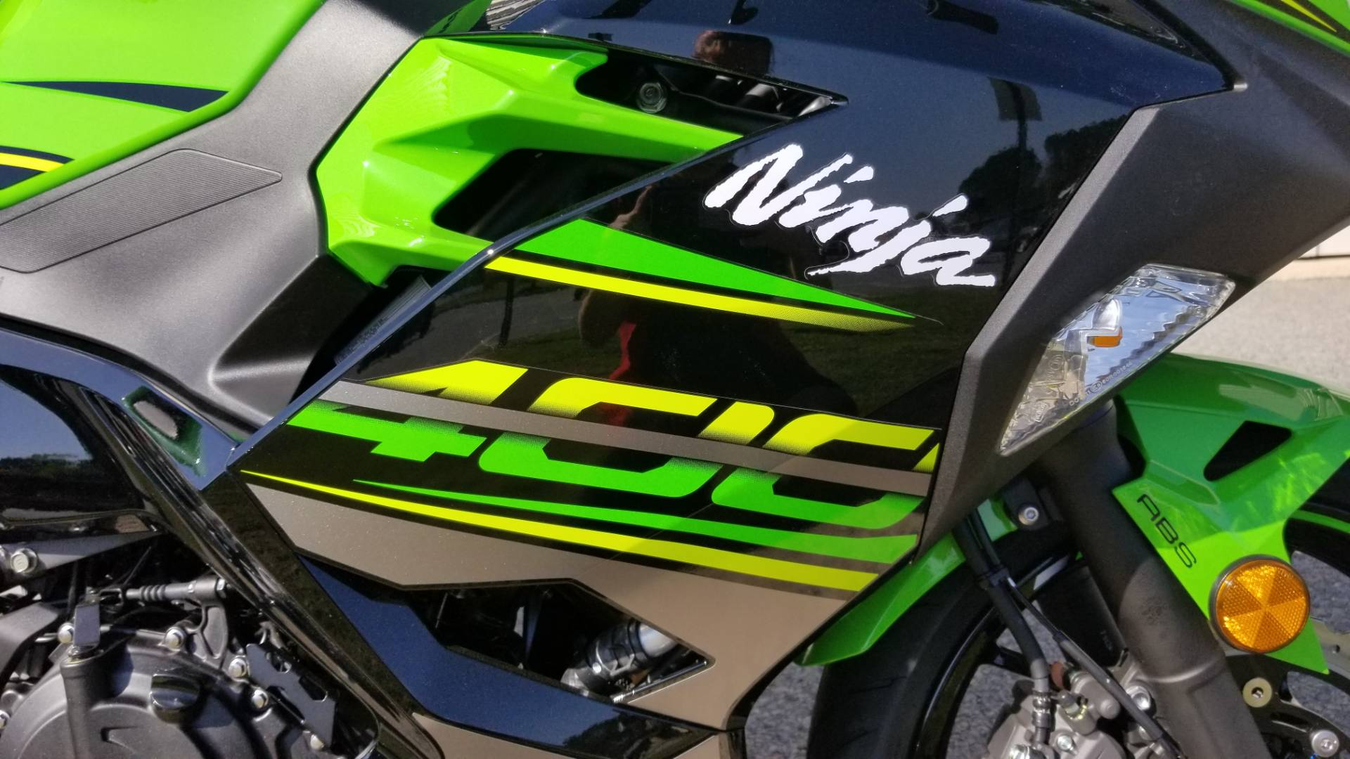 2018 Kawasaki Ninja 400 KRT Edition in Greenville, North Carolina - Photo 15
