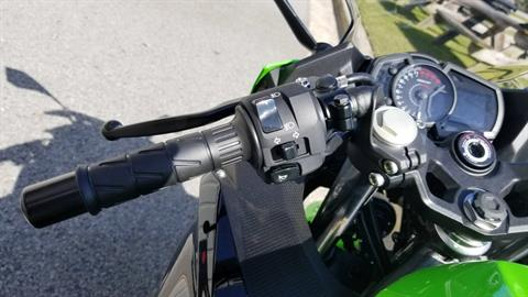 2018 Kawasaki Ninja 400 KRT Edition in Greenville, North Carolina - Photo 17