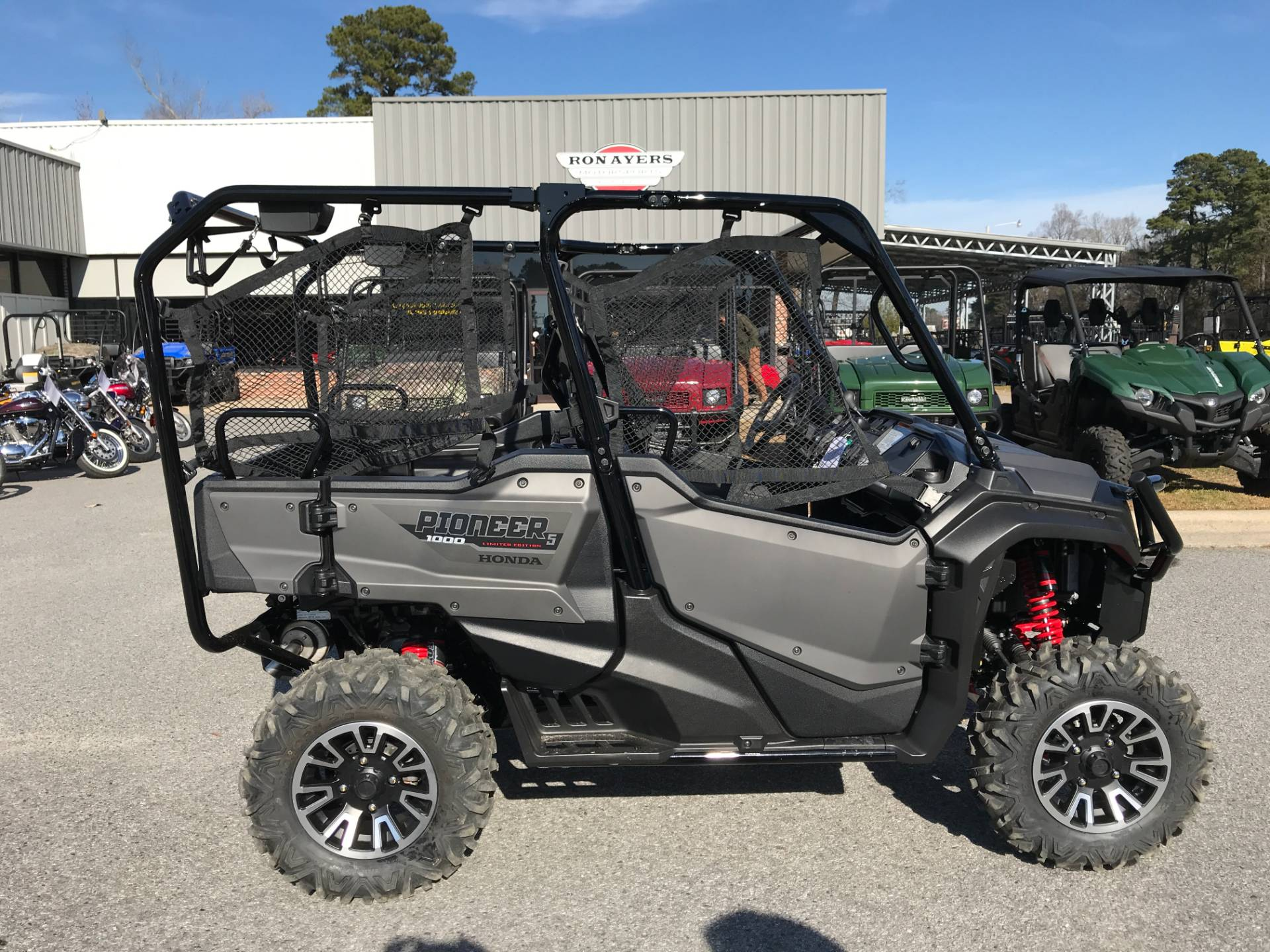 2018 Honda Pioneer 1000-5 LE in Greenville, North Carolina - Photo 30