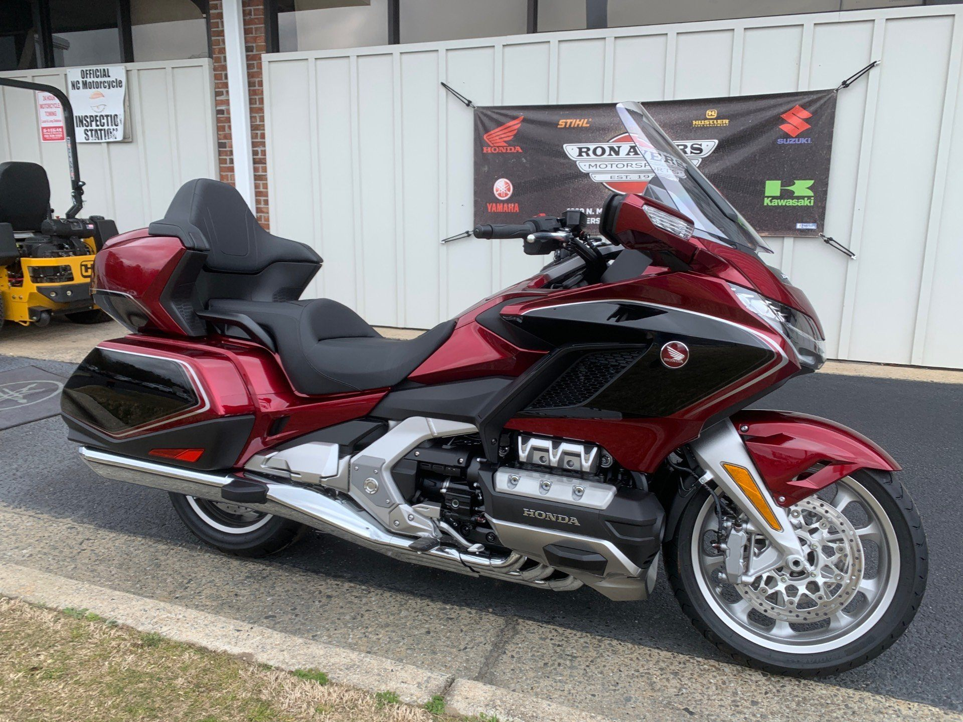 2020 Honda Gold Wing Tour in Greenville, North Carolina - Photo 2