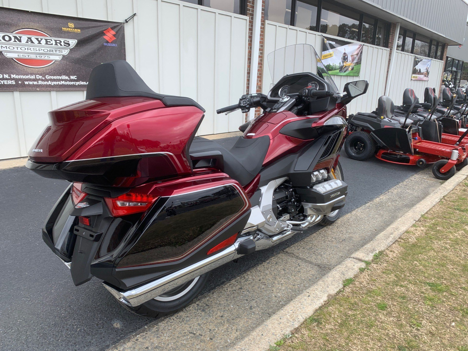 2020 Honda Gold Wing Tour in Greenville, North Carolina - Photo 12