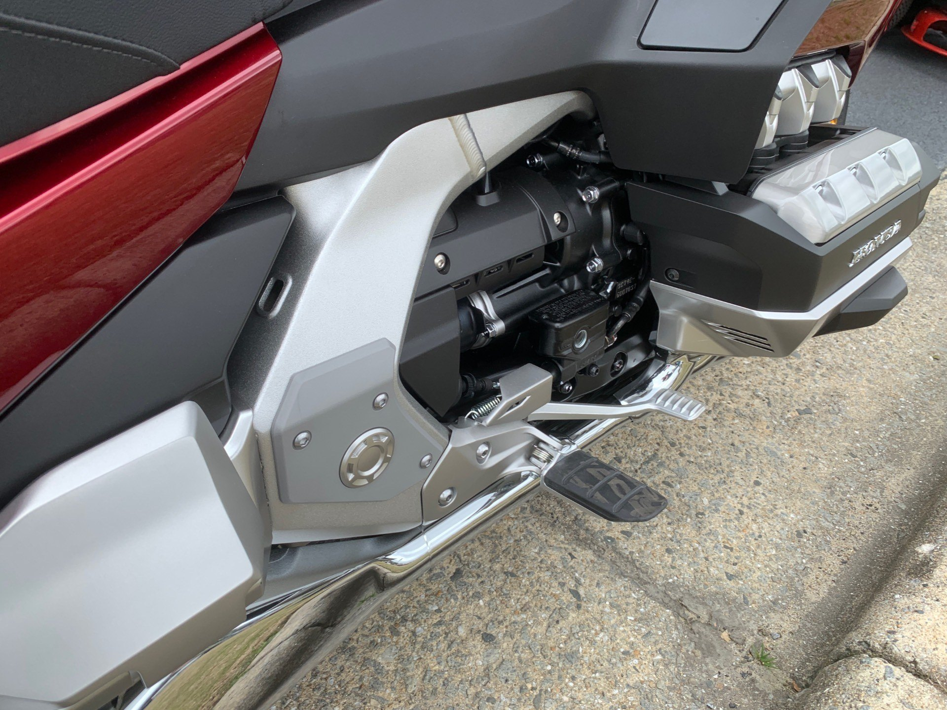 2020 Honda Gold Wing Tour in Greenville, North Carolina - Photo 17