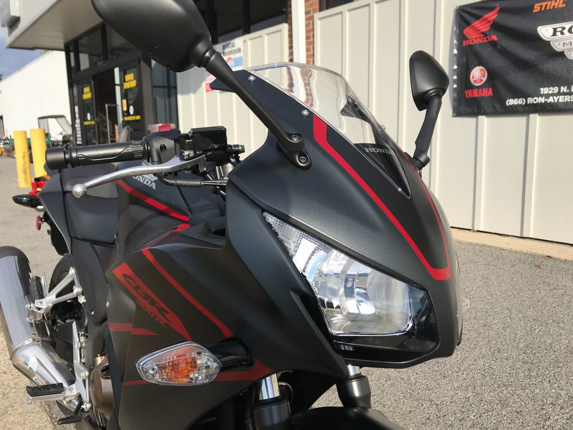 2018 Honda CBR300R in Greenville, North Carolina - Photo 13
