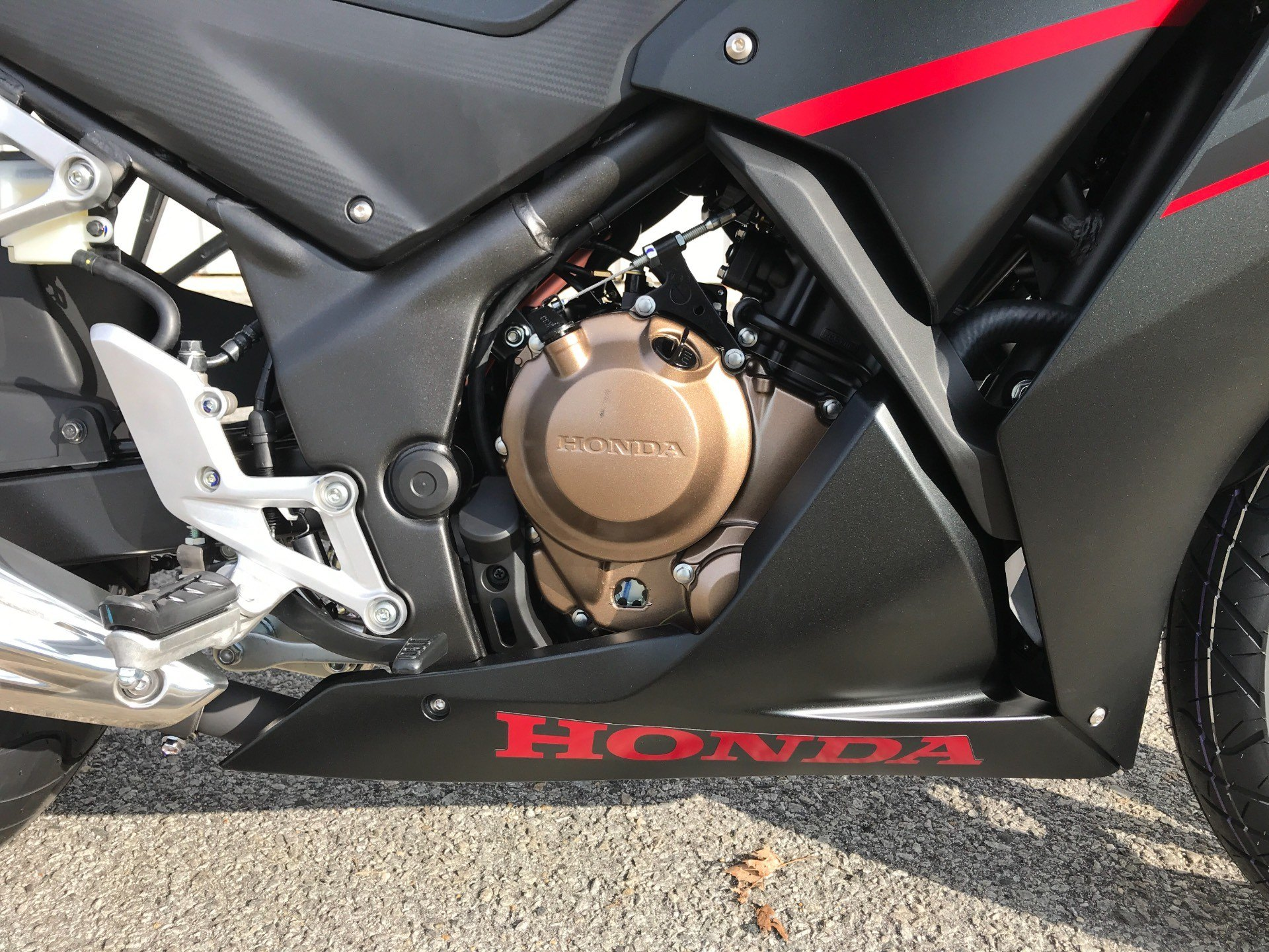2018 Honda CBR300R in Greenville, North Carolina - Photo 16
