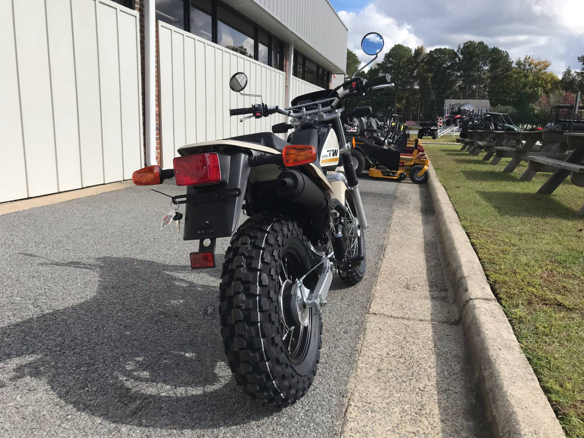 2018 Yamaha TW200 in Greenville, North Carolina - Photo 10