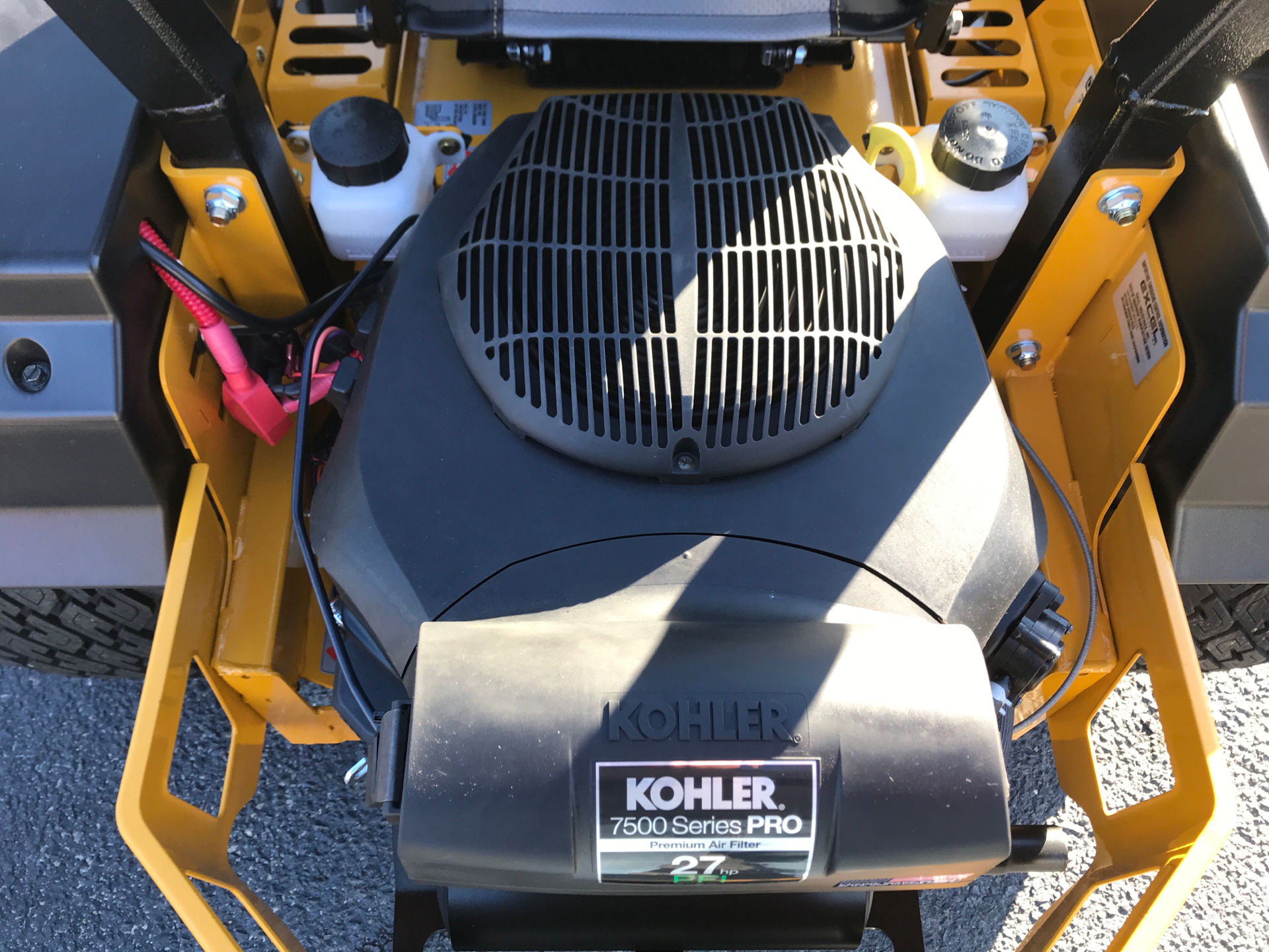 2021 Hustler Turf Equipment FasTrak 60 in. Kohler 7500 EFI 27 hp in Greenville, North Carolina - Photo 5