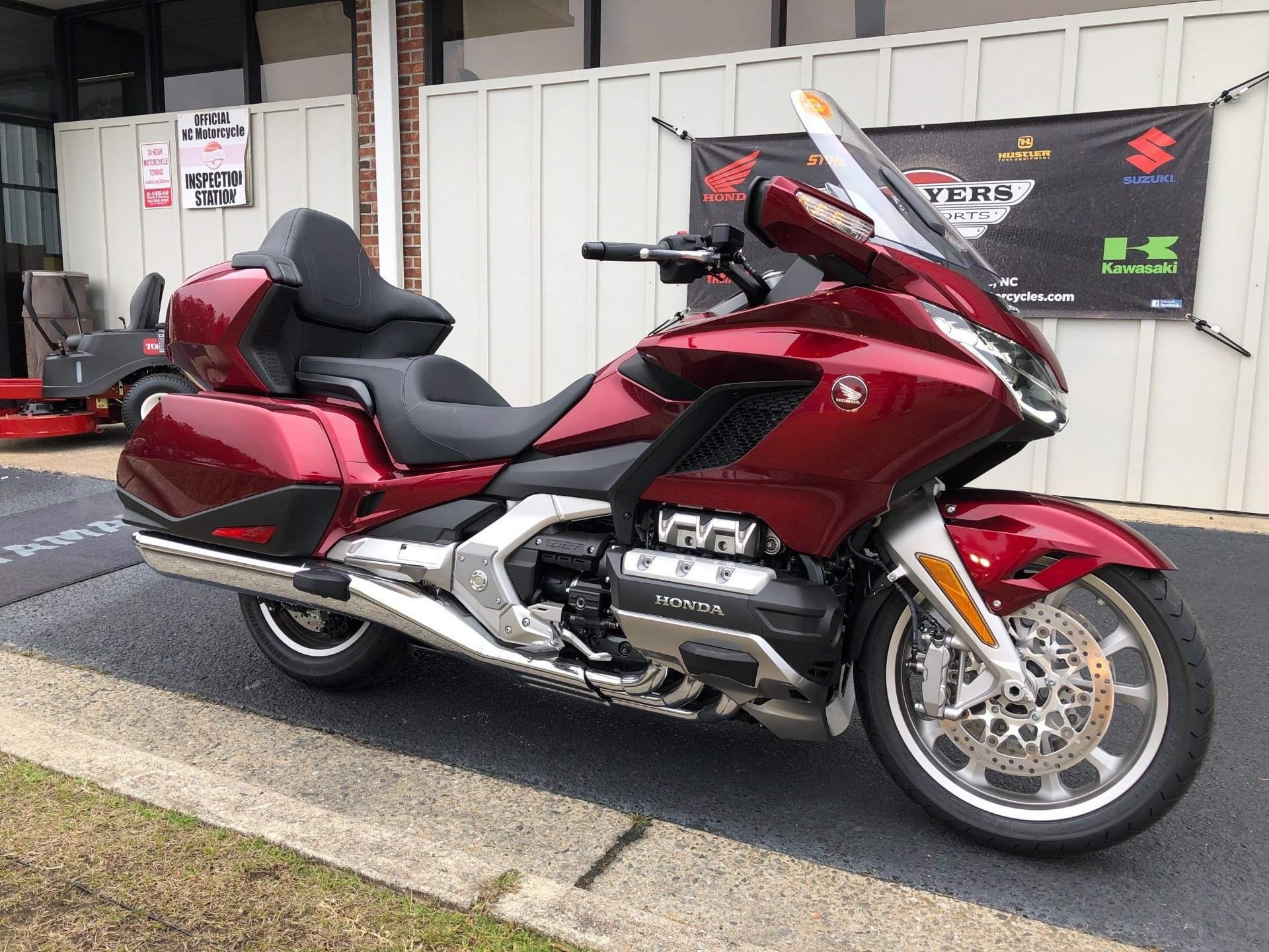 2018 Honda Gold Wing Tour Automatic DCT in Greenville, North Carolina - Photo 2