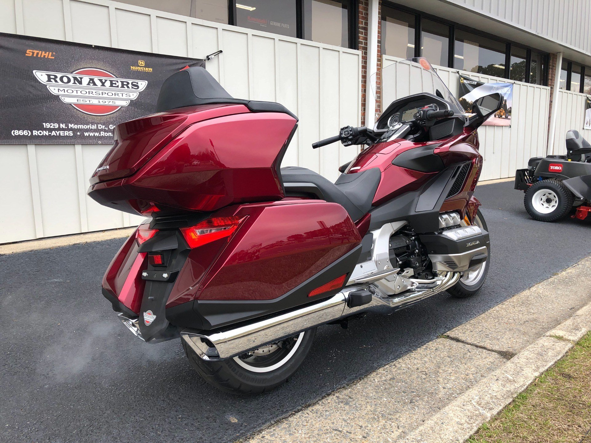 2018 Honda Gold Wing Tour Automatic DCT in Greenville, North Carolina - Photo 11