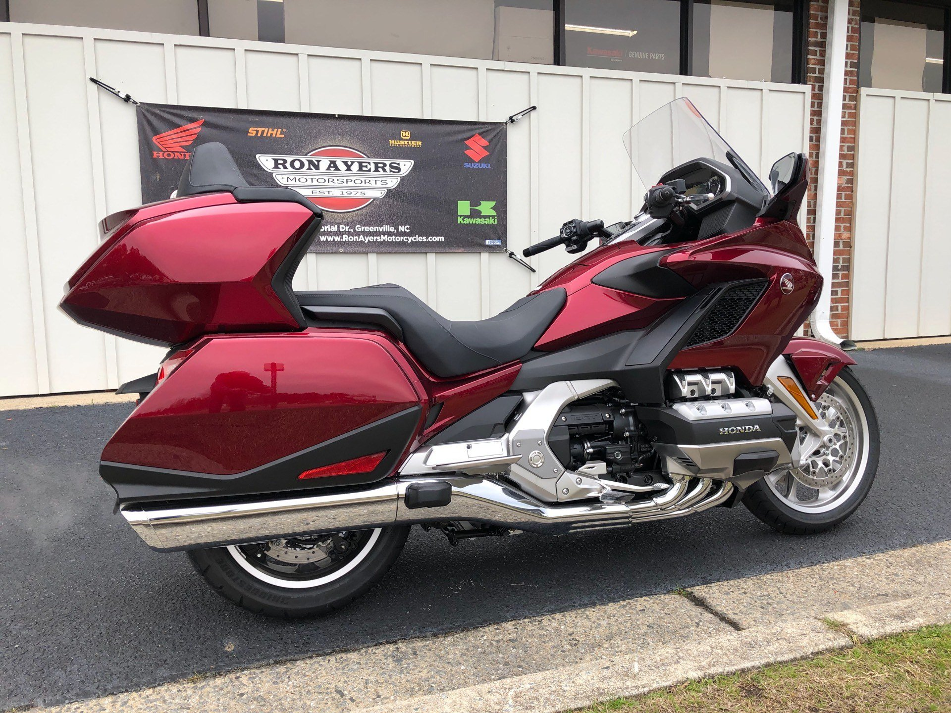 2018 Honda Gold Wing Tour Automatic DCT in Greenville, North Carolina - Photo 12