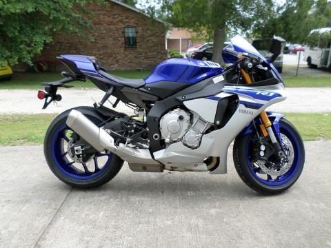 2016 Yamaha YZF-R1 in Greenville, North Carolina