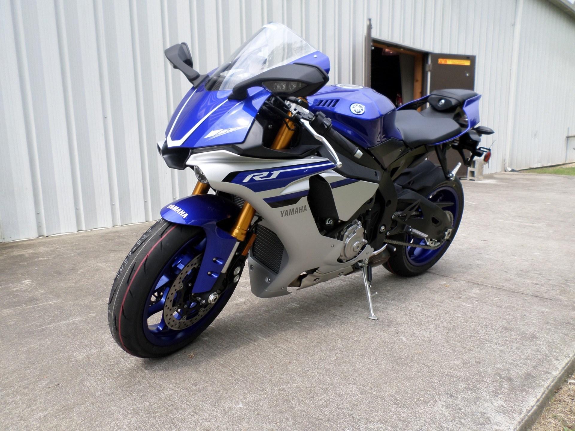 2016 Yamaha YZF-R1 8