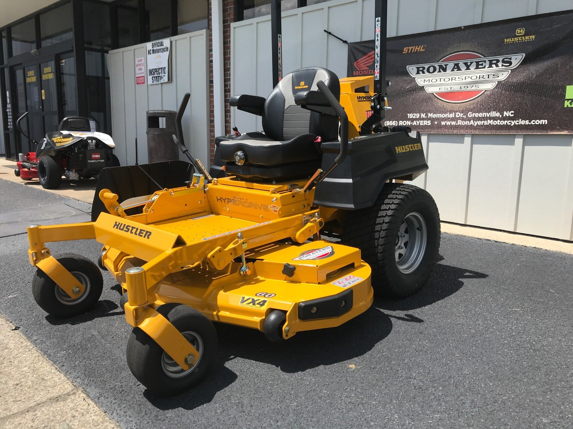 2020 Hustler Turf Equipment Super Z HyperDrive 60 in. Vanguard Big Block EFI 37 hp in Greenville, North Carolina - Photo 2
