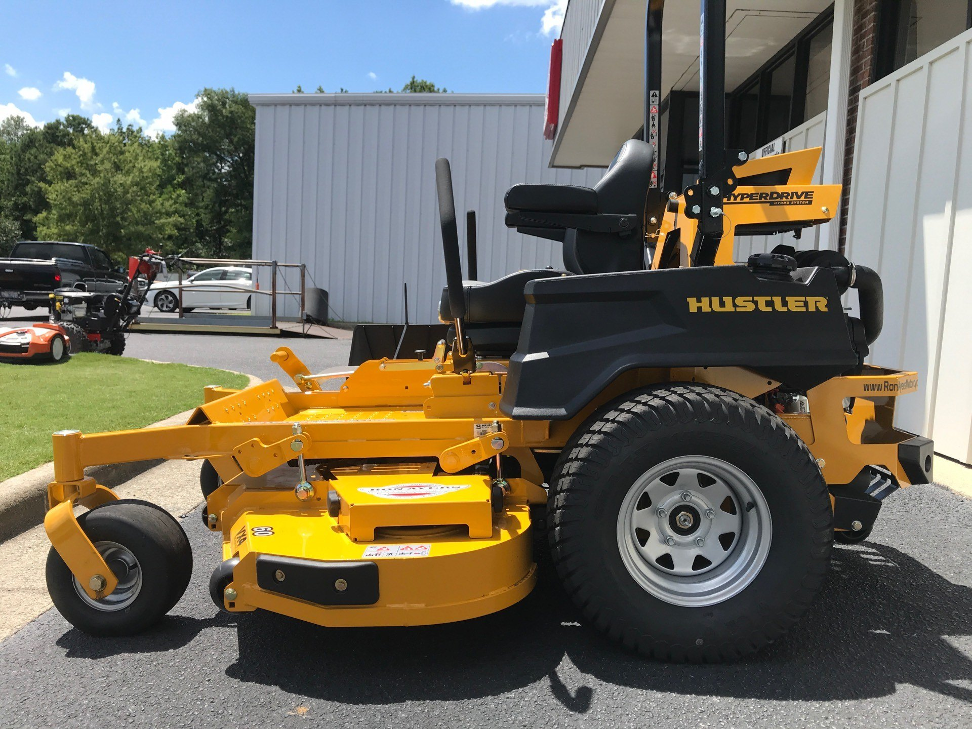 2020 Hustler Turf Equipment Super Z HyperDrive 60 in. Vanguard Big Block EFI 37 hp in Greenville, North Carolina - Photo 3