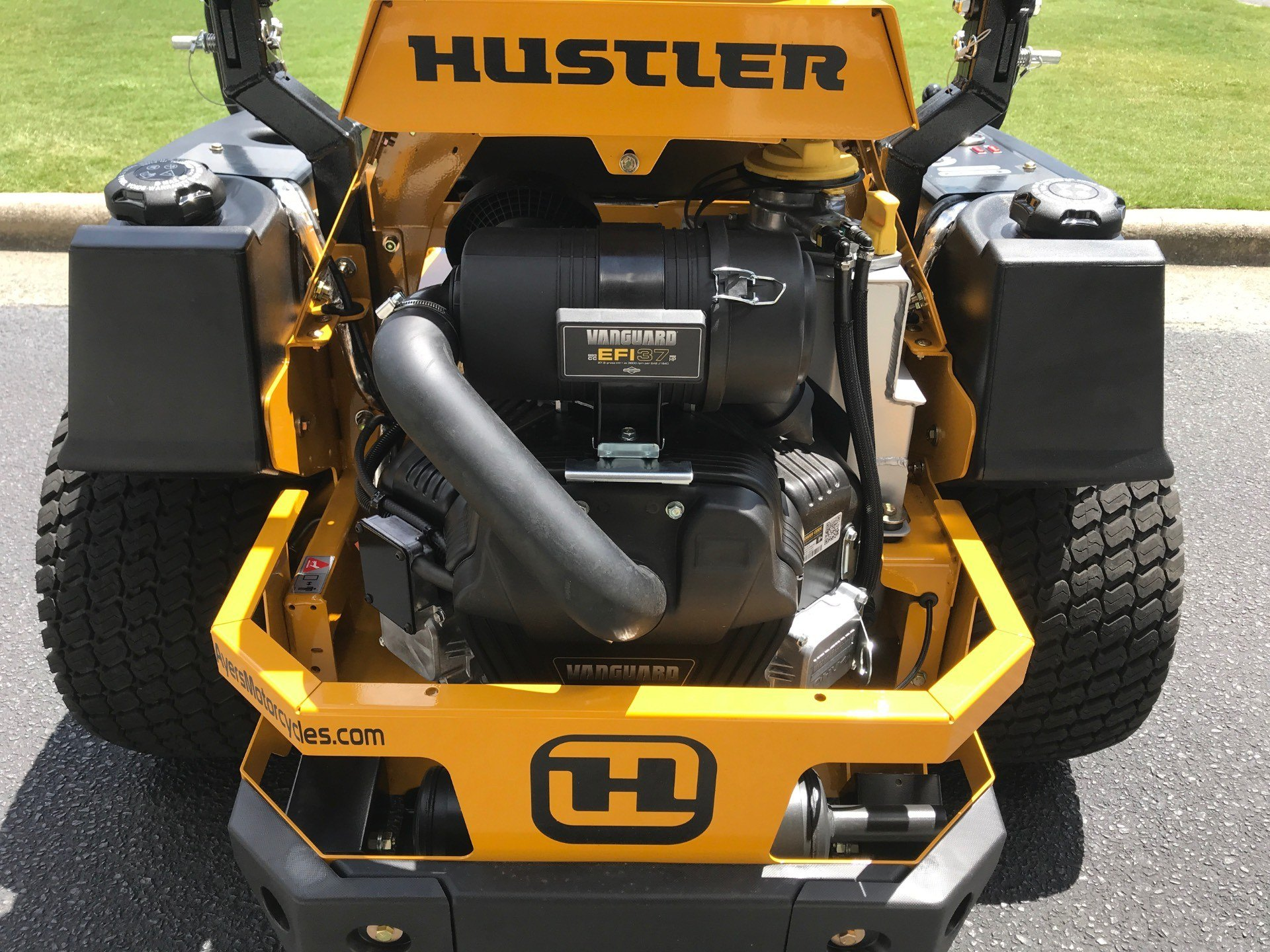 2020 Hustler Turf Equipment Super Z HyperDrive 60 in. Vanguard Big Block EFI 37 hp in Greenville, North Carolina - Photo 4