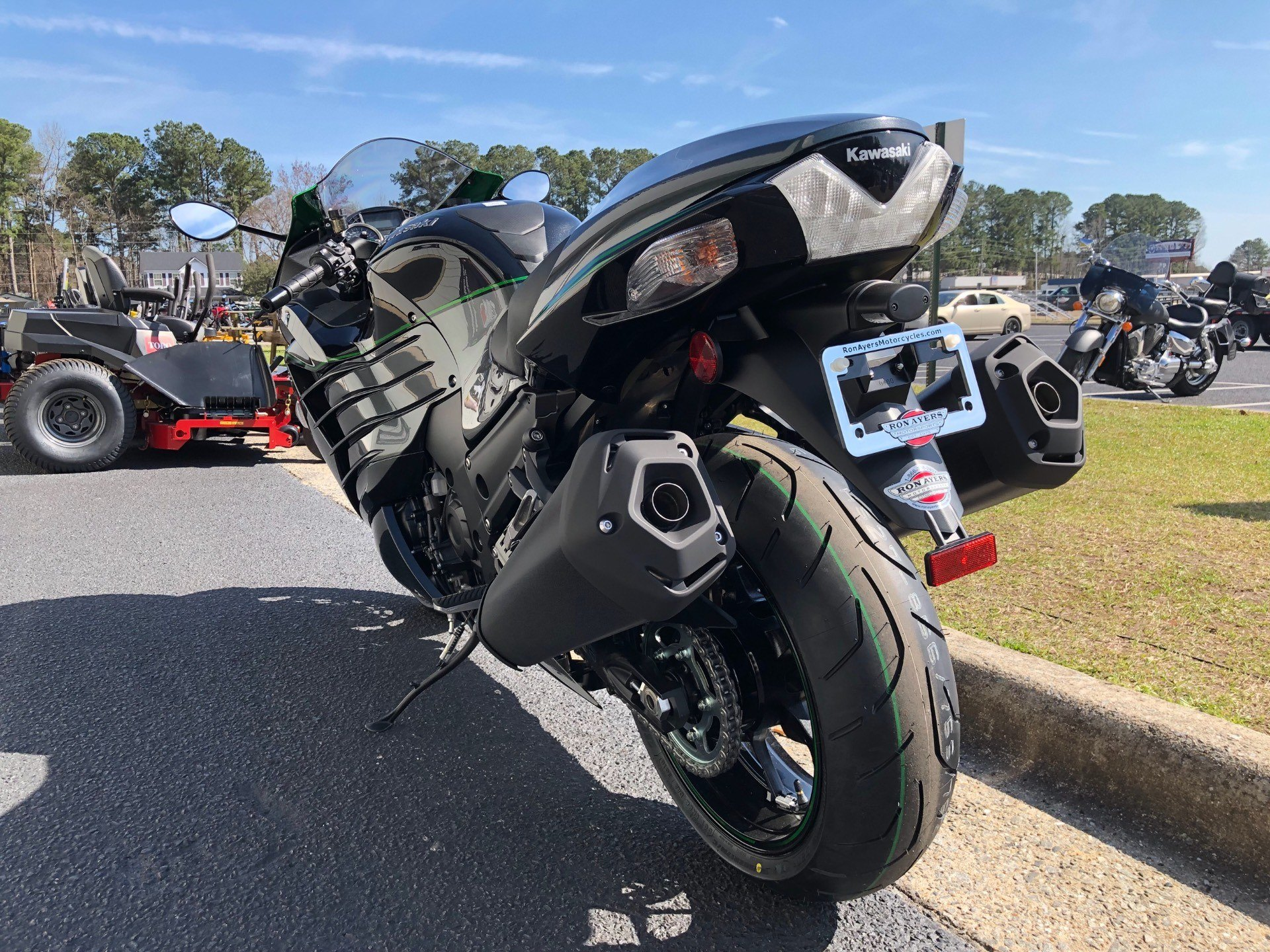 2019 Kawasaki Ninja ZX-14R in Greenville, North Carolina - Photo 9