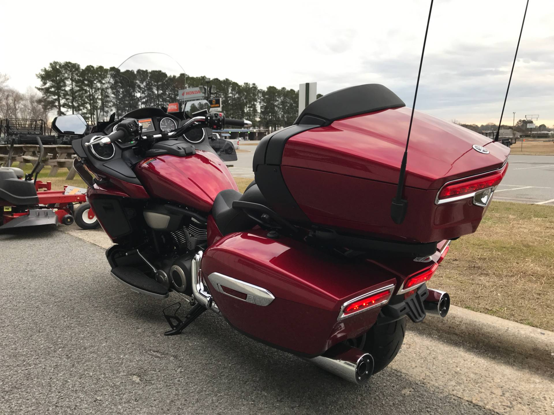 2018 Yamaha Star Venture with Transcontinental Option Package in Greenville, North Carolina - Photo 9