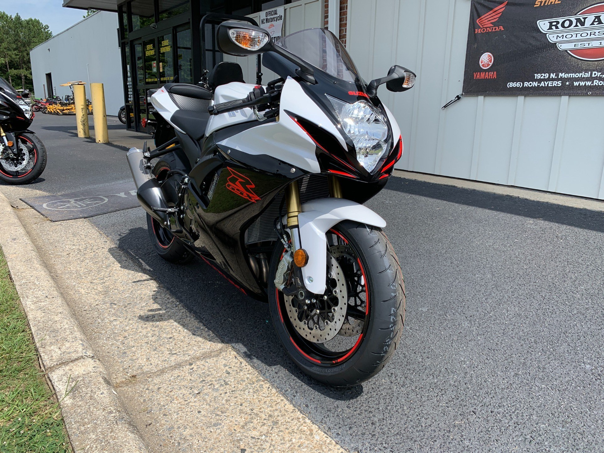 2019 Suzuki GSX-R750 in Greenville, North Carolina - Photo 3