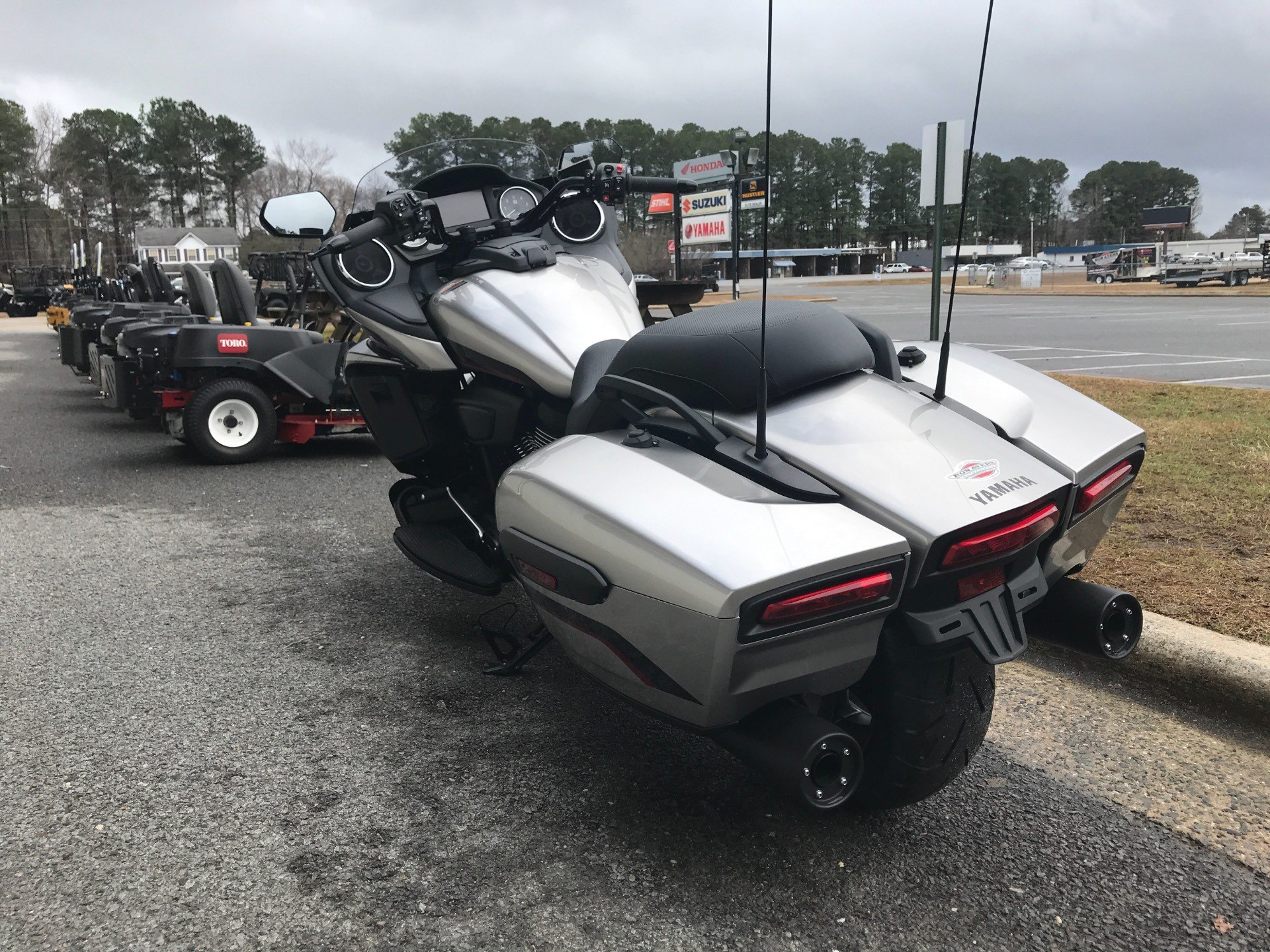 2018 Yamaha Star Eluder in Greenville, North Carolina - Photo 9