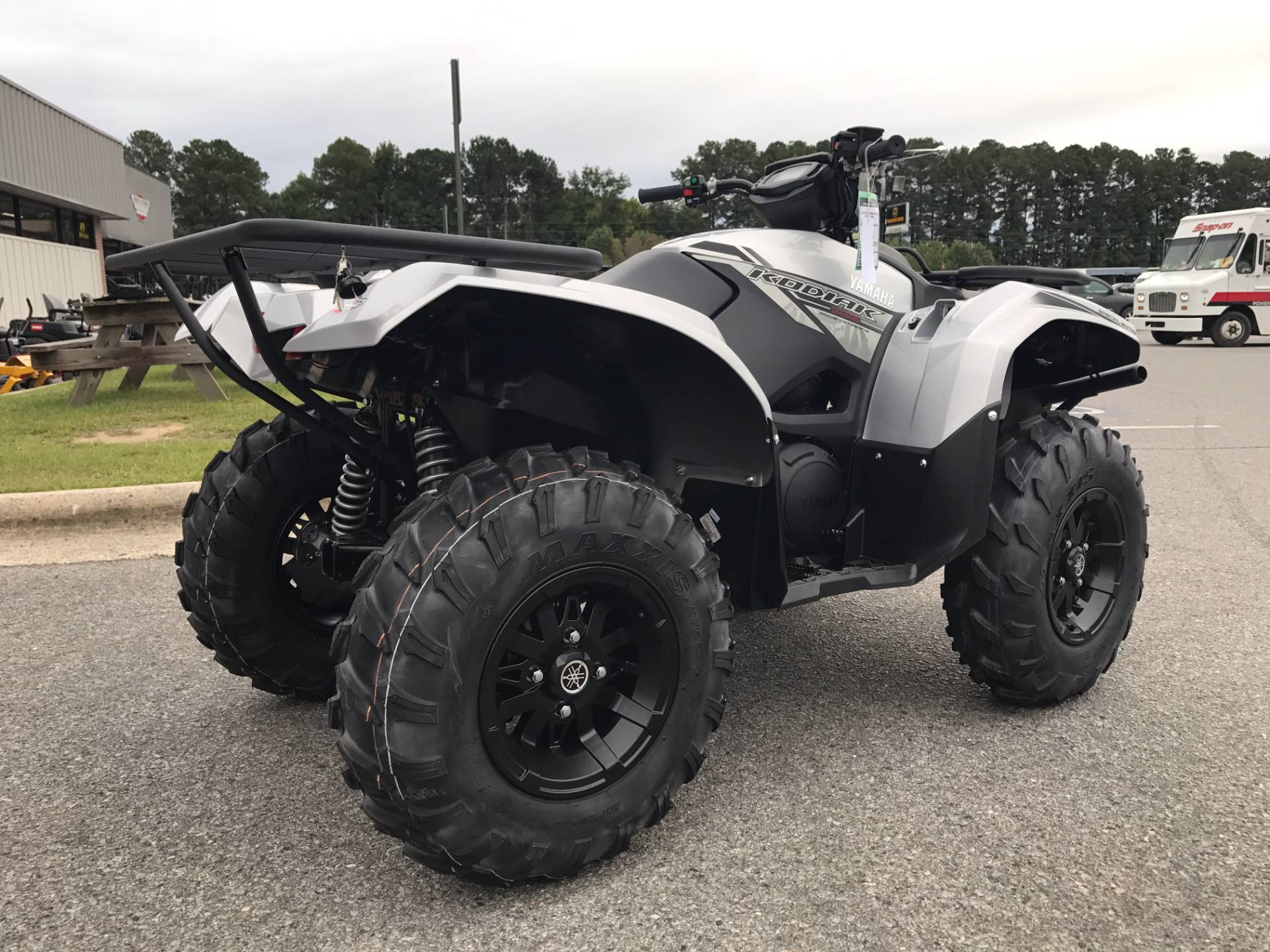 New 2018 yamaha kodiak 700 eps se atvs in greenville nc for Yamaha kodiak 700 review