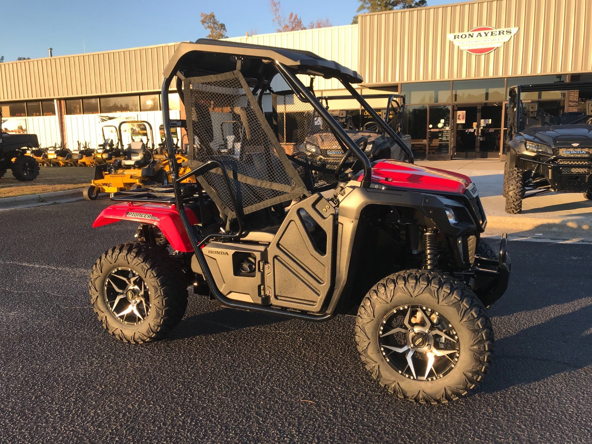 2018 Honda Pioneer 500 in Greenville, North Carolina - Photo 2