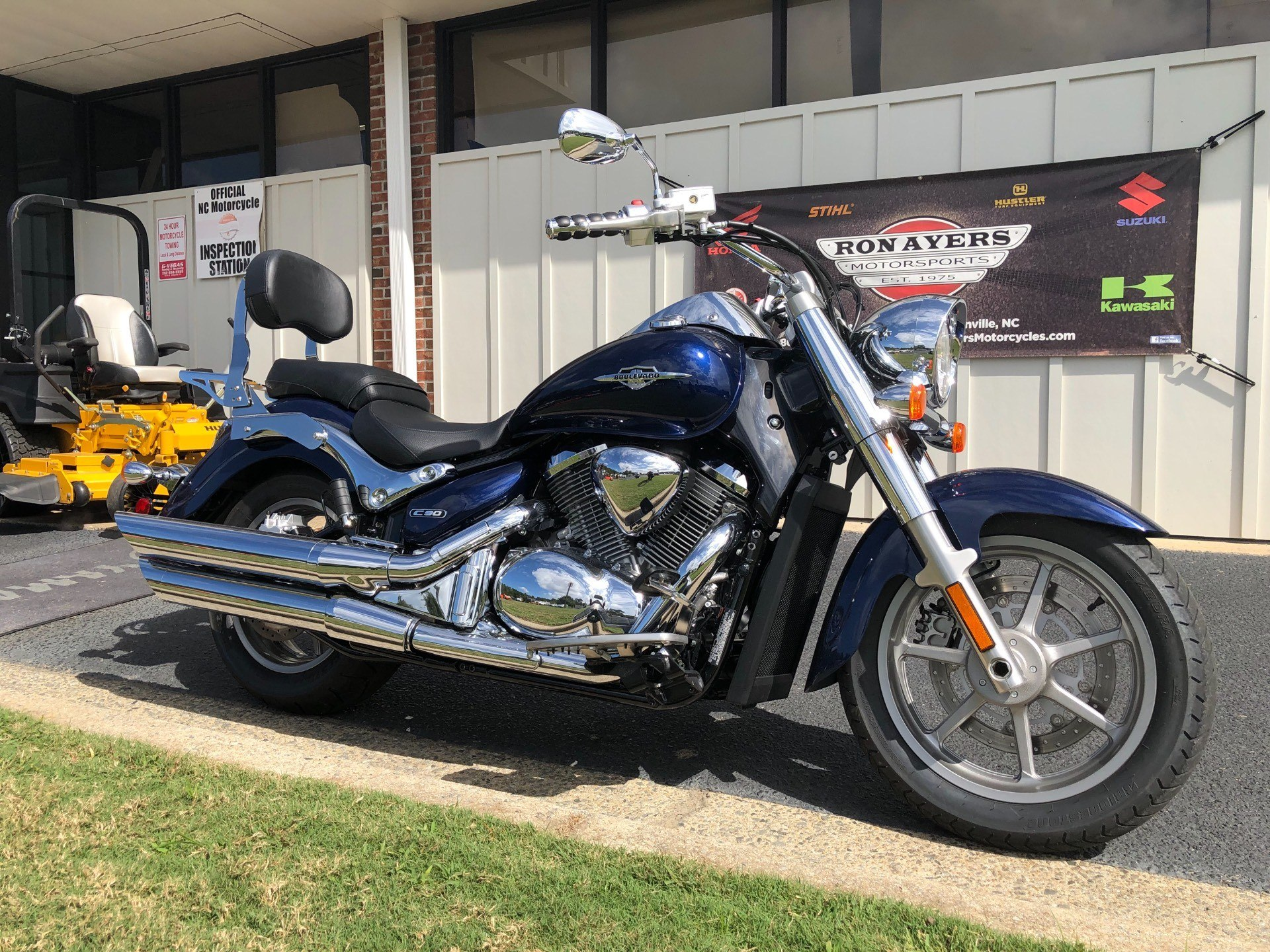 2013 Suzuki Boulevard C90 in Greenville, North Carolina - Photo 2