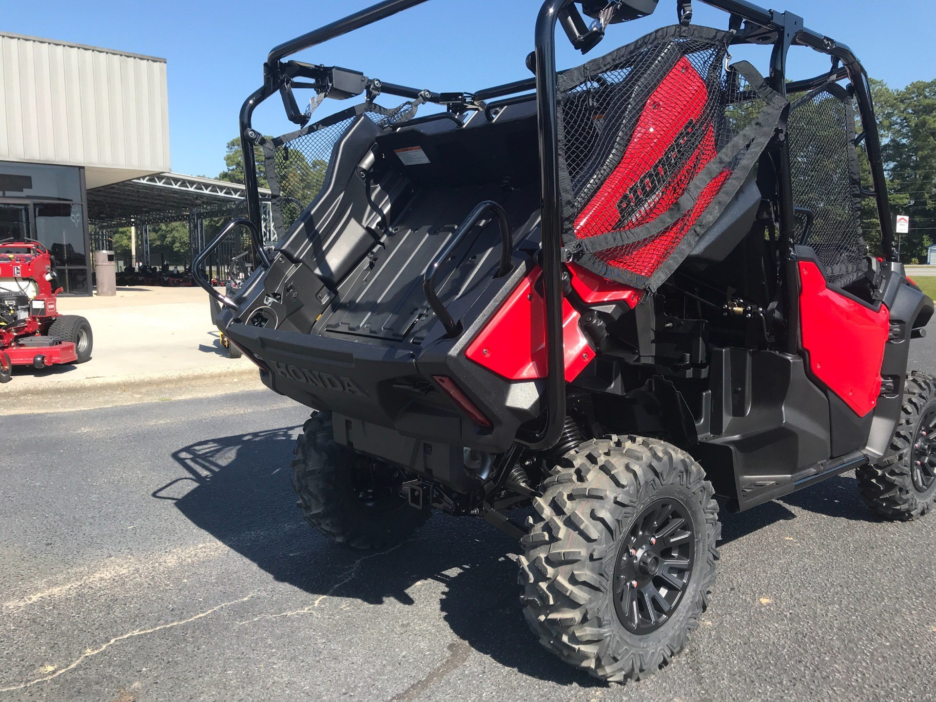 2021 Honda Pioneer 1000-5 Deluxe in Greenville, North Carolina - Photo 17