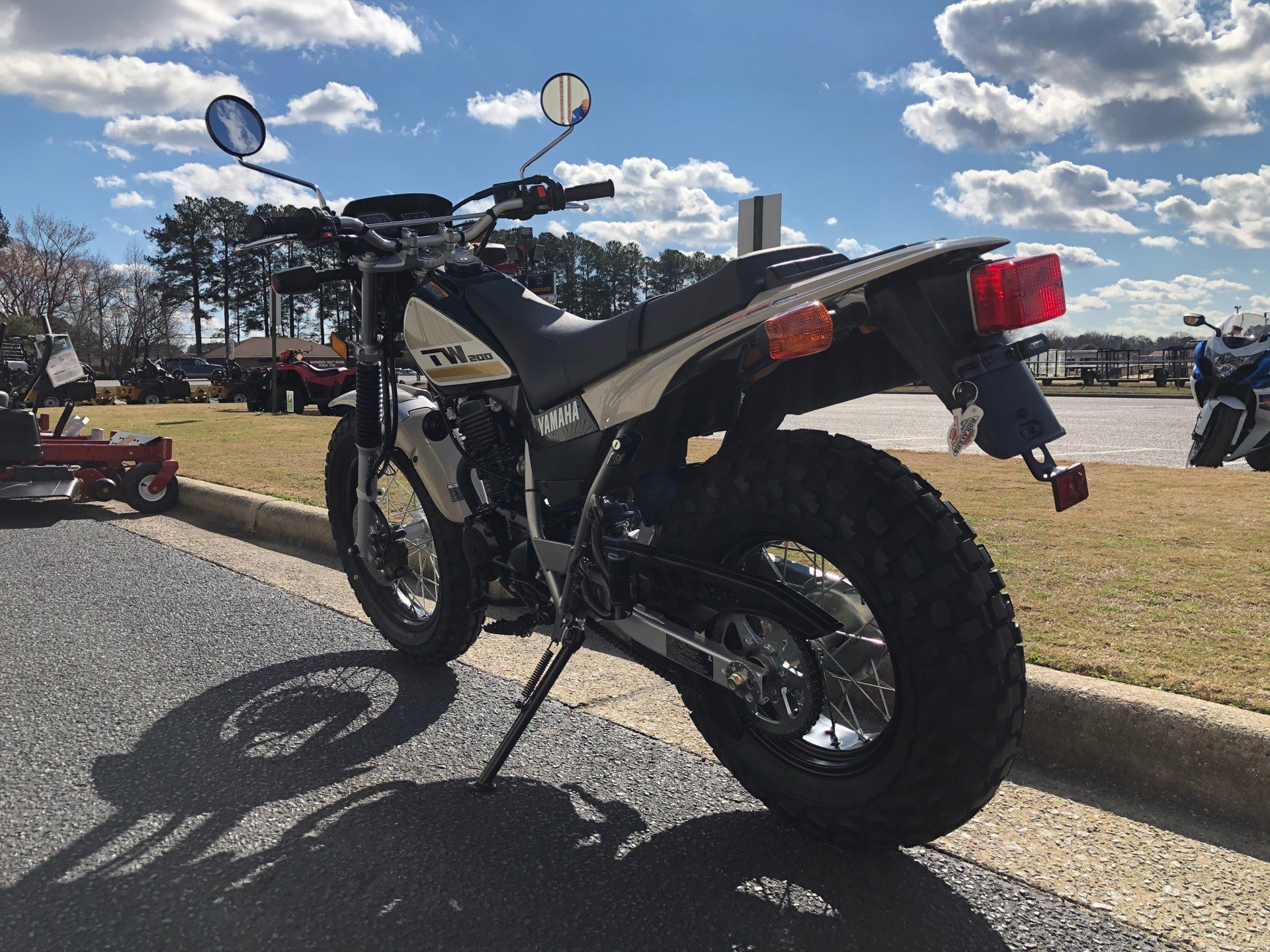 2020 Yamaha TW200 in Greenville, North Carolina - Photo 9