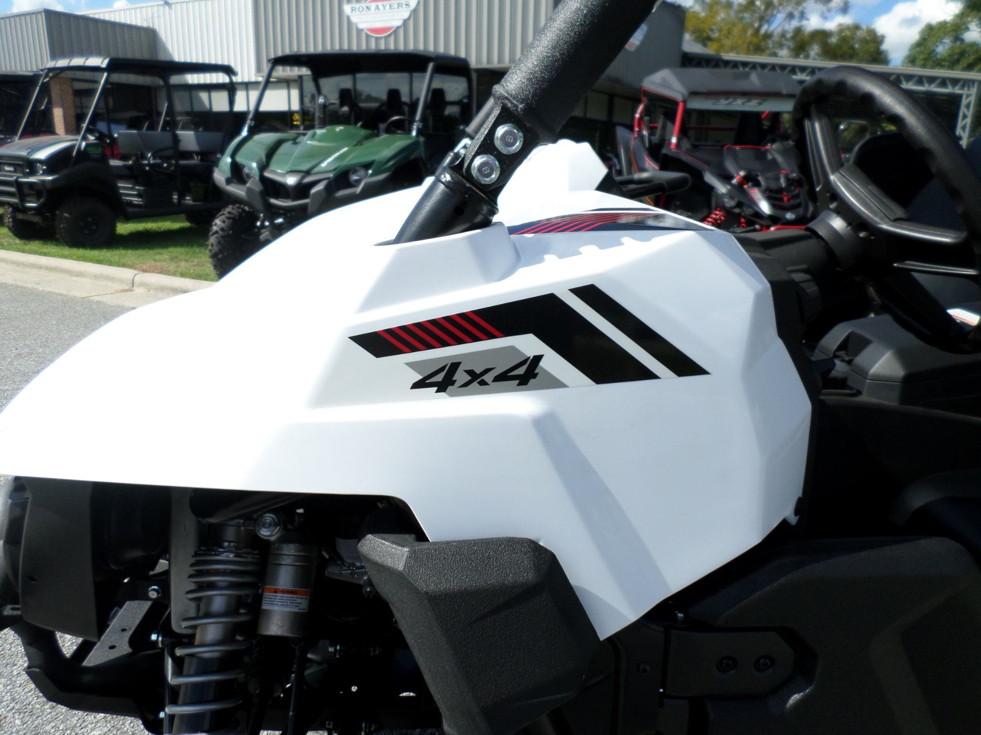 2017 Yamaha Wolverine R-Spec EPS in Greenville, North Carolina