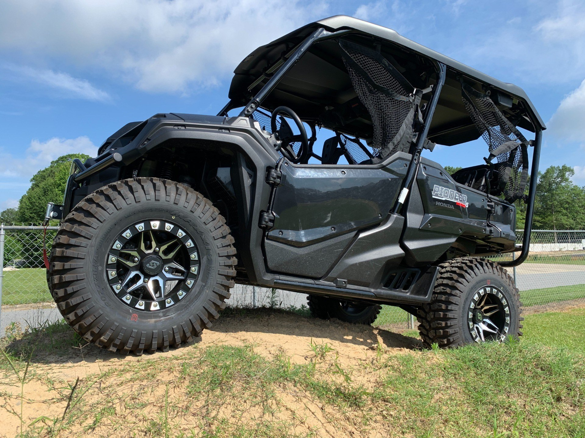 2019 Honda Pioneer 1000-5 Deluxe in Greenville, North Carolina - Photo 1