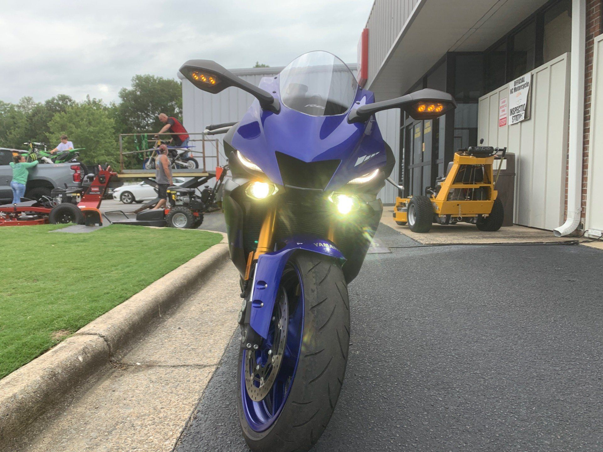 2020 Yamaha YZF-R6 in Greenville, North Carolina - Photo 3