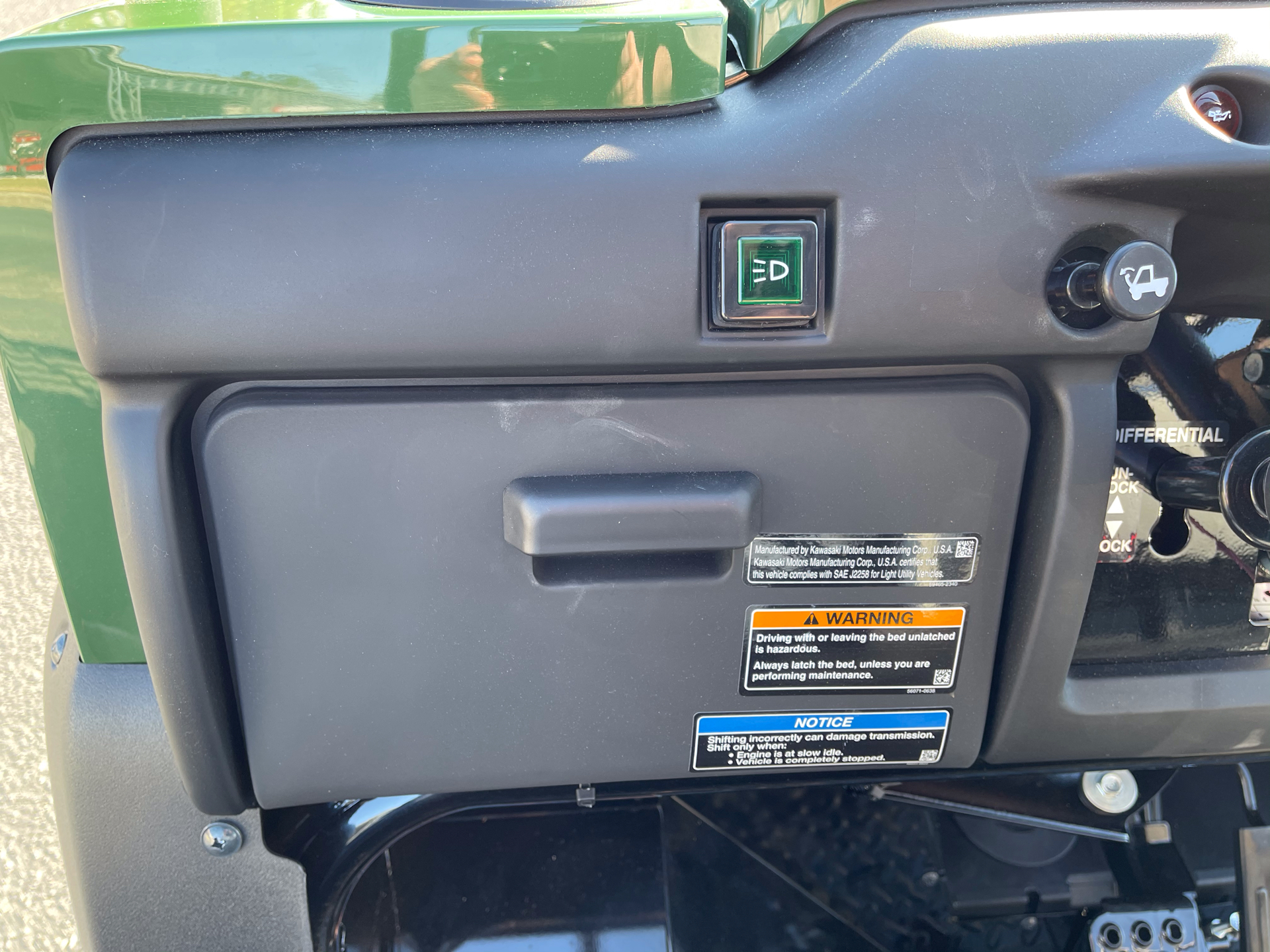 2021 Kawasaki Mule 4010 4x4 in Greenville, North Carolina - Photo 14