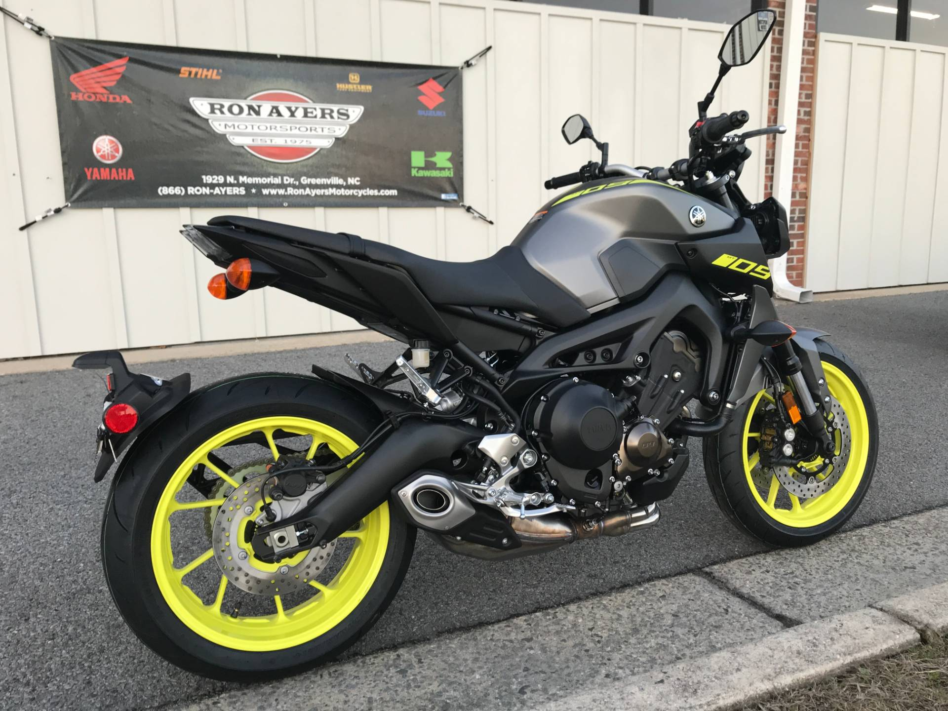new 2018 yamaha mt 09 motorcycles in greenville nc. Black Bedroom Furniture Sets. Home Design Ideas
