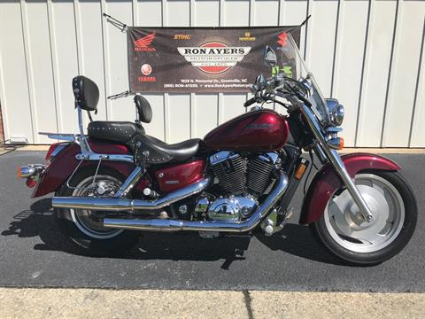 2007 Honda Shadow Sabre™ in Greenville, North Carolina