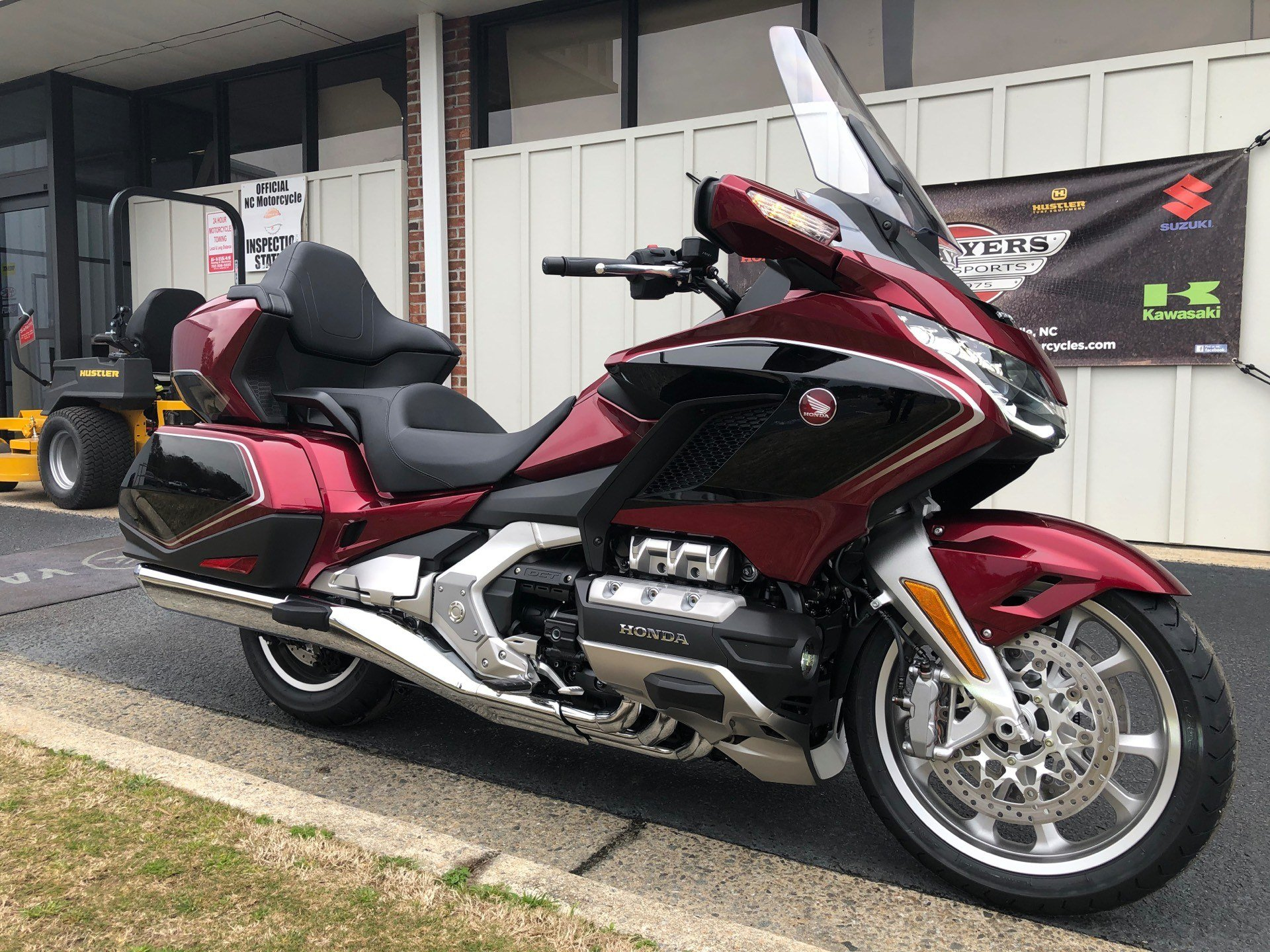 2020 Honda Gold Wing Tour Automatic DCT in Greenville, North Carolina - Photo 2