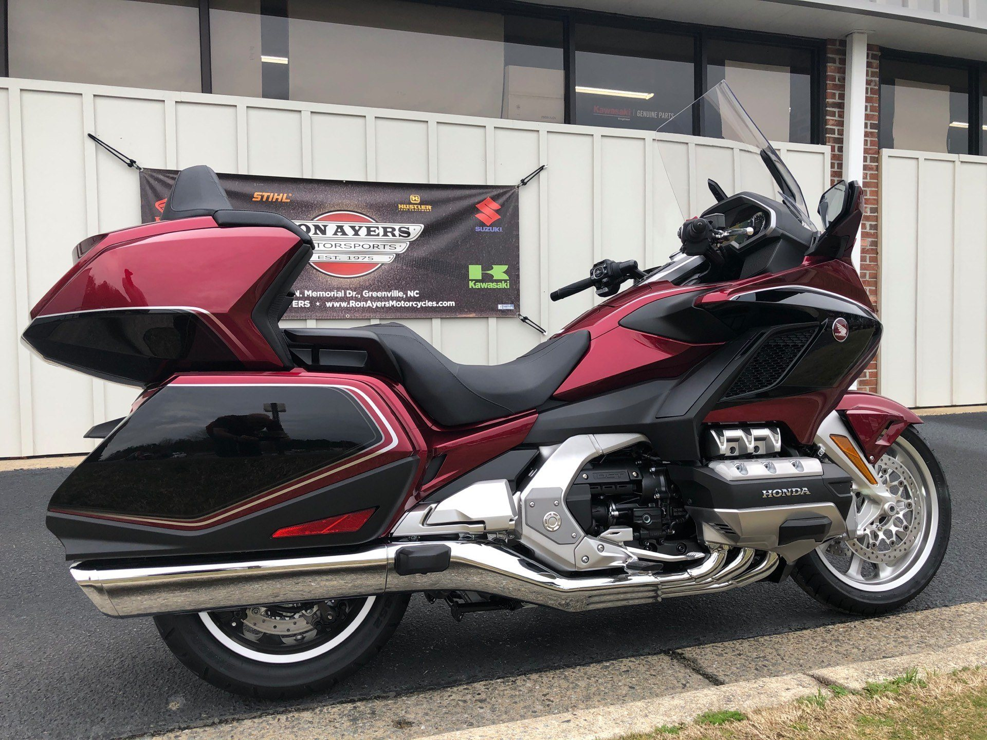 2020 Honda Gold Wing Tour Automatic DCT in Greenville, North Carolina - Photo 12