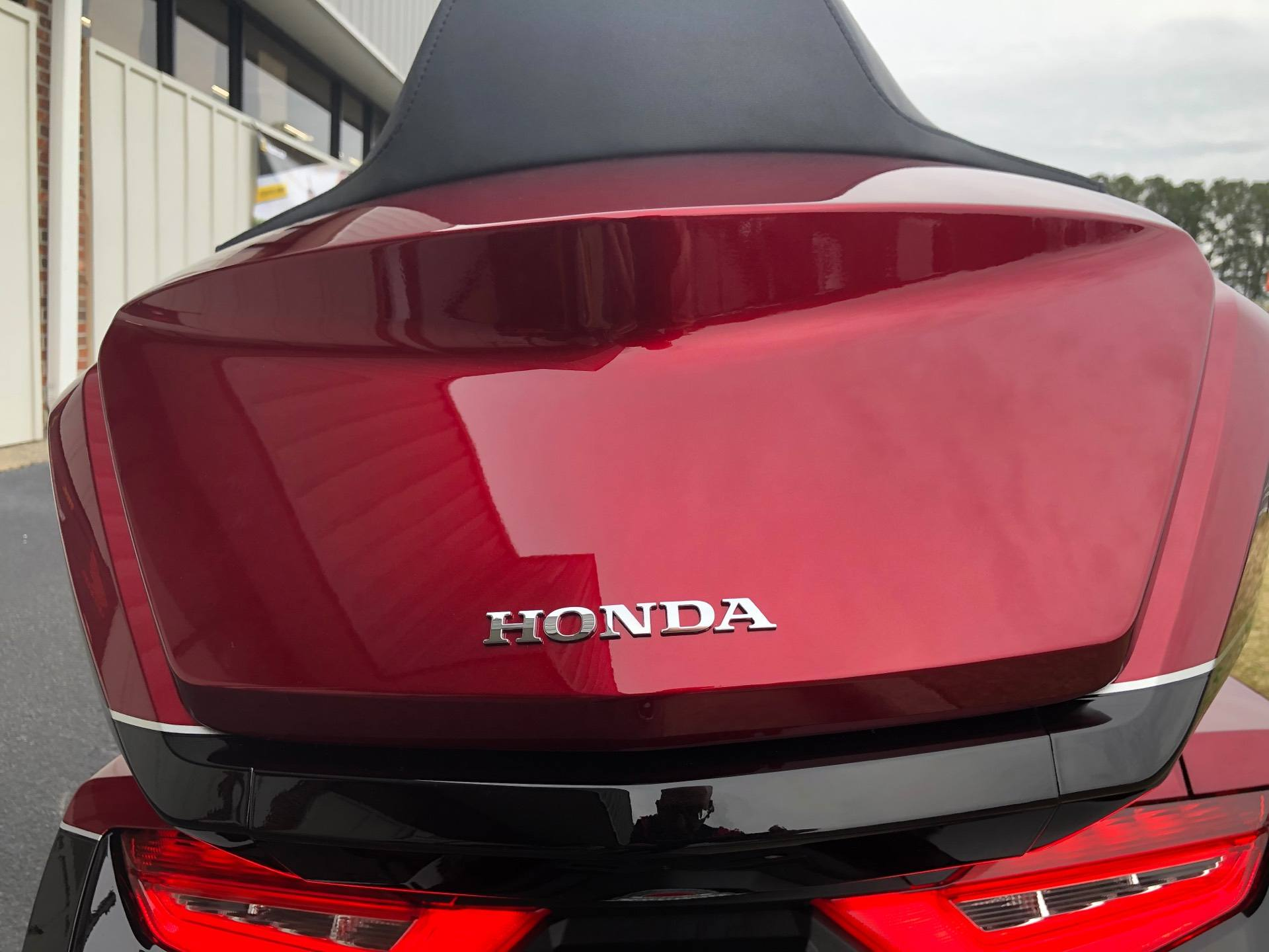 2020 Honda Gold Wing Tour Automatic DCT in Greenville, North Carolina - Photo 25